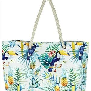 Bags - Chic Tropical Pineapple Print Beach Bag / Tote